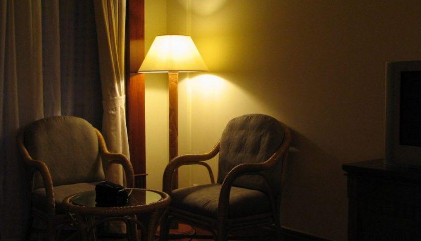 W jaki sposób dokonać regulacji światła w mieszkaniu?